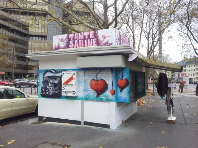 Kiosk mit Schmuck + und Kunstautomat Chamaeleon
